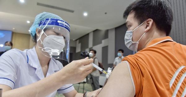 TP.HCM bắt đầu đợt tiêm chủng vắc xin COVID-19 quy mô lớn