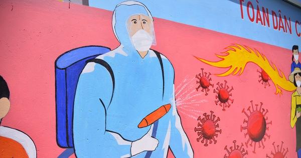 Đi từng góc phố vẽ tranh ủng hộ dập dịch trong cái nóng 40 độ C