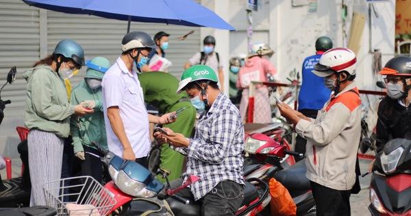 TP.HCM: Đi siêu thị, chợ đầu mối... bắt buộc khai báo y tế điện tử từ ngày 24-6