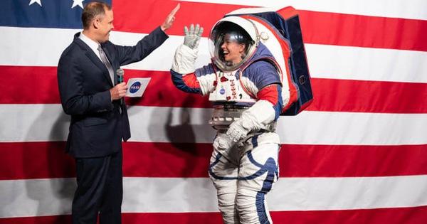 NASA công bố thiết kế bộ đồ vũ trụ mới của phi hành gia