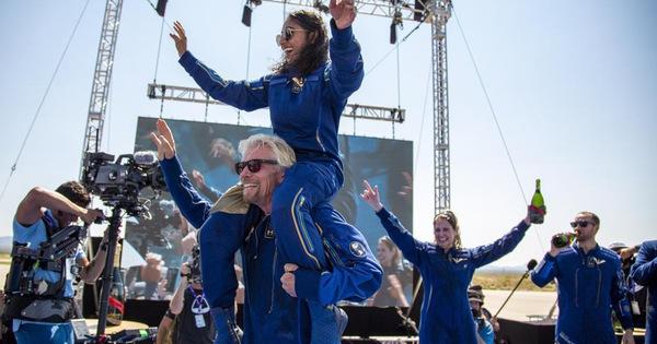 Tỉ phú Branson bay thành công vào vũ trụ