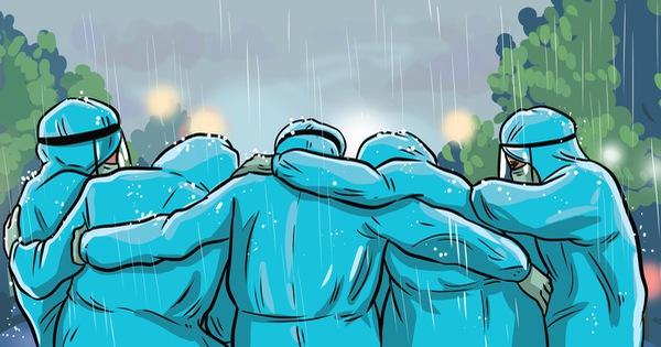 'Trời mưa không kịp trở tay, cả đội ôm nhau cho ấm'