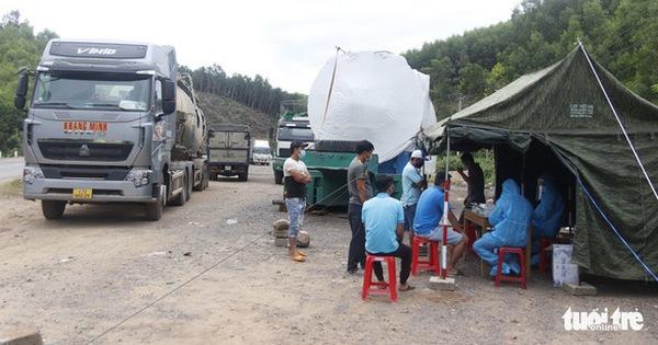 Không kiểm tra giấy xét nghiệm COVID-19 tài xế xe chở hàng trong nội tỉnh đang giãn cách