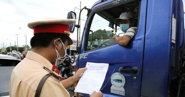 Không yêu cầu tài xế chở hàng ở 19 tỉnh, thành phía Nam phải có giấy 'âm tính'