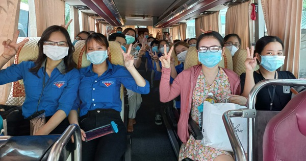 Dịch COVID-19 ngày 19-7: Sinh viên, giảng viên ở Đà Nẵng tiếp tục chi viện cho TP.HCM
