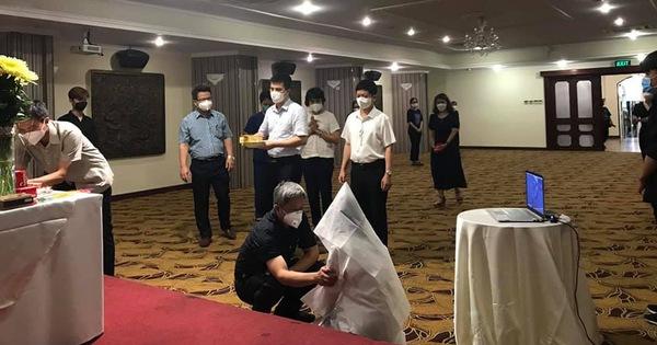 Đang lấy mẫu xét nghiệm tại TP.HCM, nữ sinh Bắc Giang nghe tin cha đột ngột qua đời