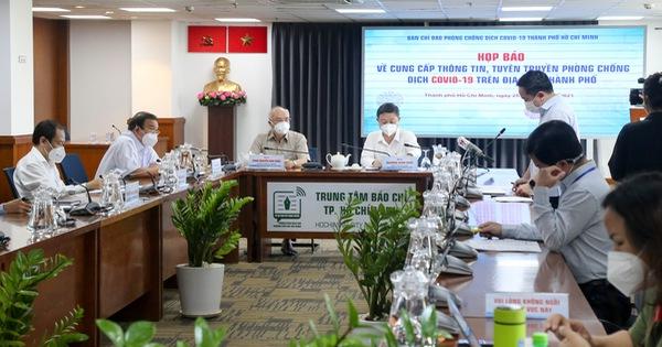 TP.HCM xử nghiêm việc người dân lợi dụng mặc áo shipper để ra đường