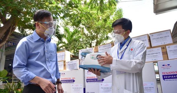 Thêm 'vũ khí để chiến đấu' chống dịch COVID-19 tại Bệnh viện Nhân dân 115 và Bệnh viện Thống Nhất