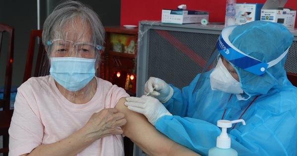 Đẩy nhanh tiêm chủng, TP.HCM đã tiêm hơn 527.000 mũi vắc xin COVID-19