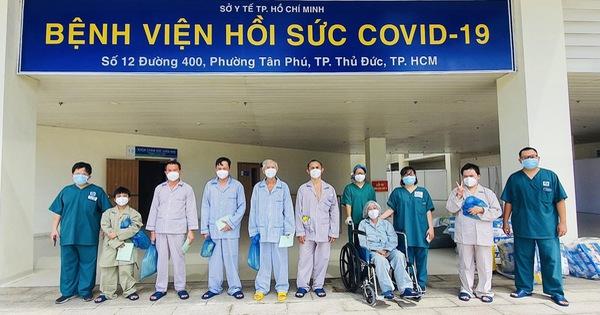 Thêm 10 bệnh nhân nặng ở Bệnh viện hồi sức COVID-19 được xuất viện