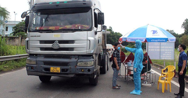 Chủ tịch huyện nói gì về '51 người ở Phú Thọ thành F1 khi xem vụ tai nạn 4 người về từ Bình Dương'?