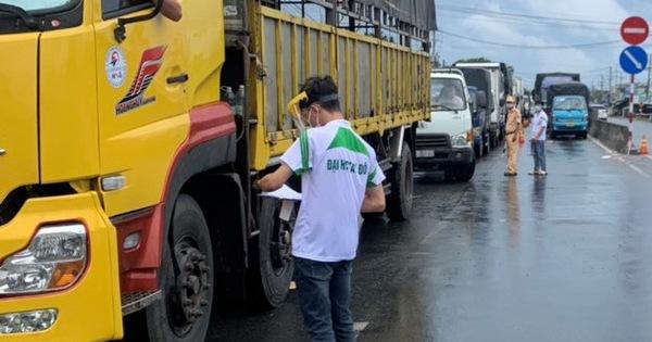 Từ 23-8, xe chở hàng hóa vào Cần Thơ phải đăng ký trước