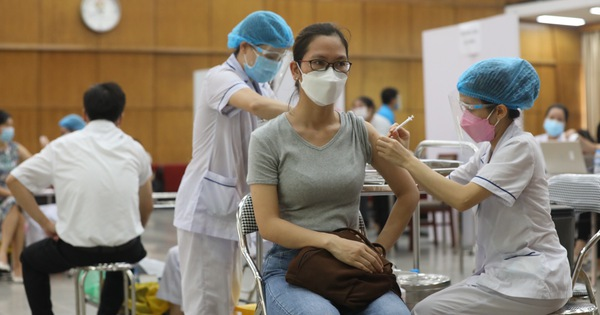 Bộ Y tế: Trừ Pfizer, không được tiêm vắc xin loại khác cho người đã tiêm AstraZeneca
