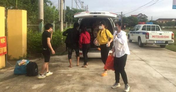 Hà Tĩnh tiếp nhận 8 công nhân vụ 'ngồi trong thùng đông lạnh vượt chốt về quê'
