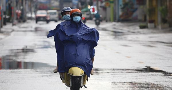 TP.HCM mưa rả rích từ đầu chiều kéo dài đến tối