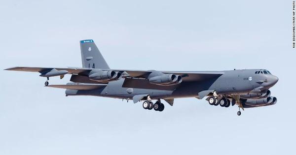 Nga điều tiêm kích chặn máy bay ném bom Mỹ tiếp cận không phận