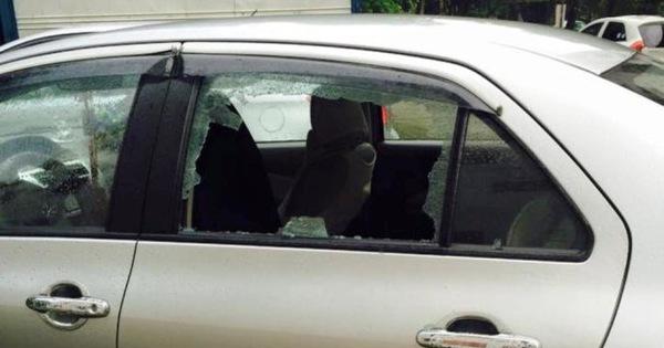 Trộm đập vỡ kính 3 ô tô lấy tài sảntrong đêm mưa